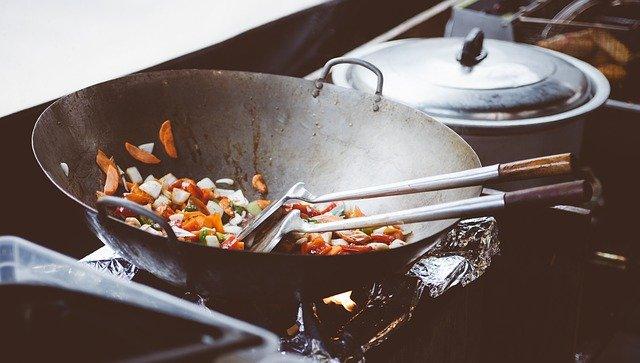 Poêlée de pâtes aux fleurettes (chou-fleur, chou romanesco, brocolis)