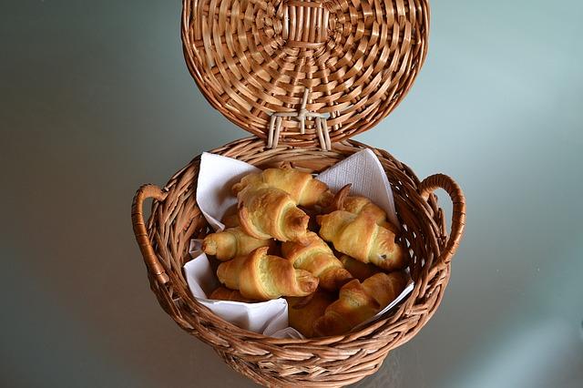 Mini croissants poivron et chorizo